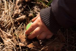 gałki dzieciece - zielone emaliowane - spacer 1