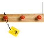 Wieszak z gałkami czerwonymi - DOT manufacture