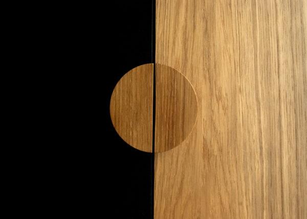 Uchwyty BASIC półokrągłe - 10 cm - dębowe, olejowane na czarnym froncie