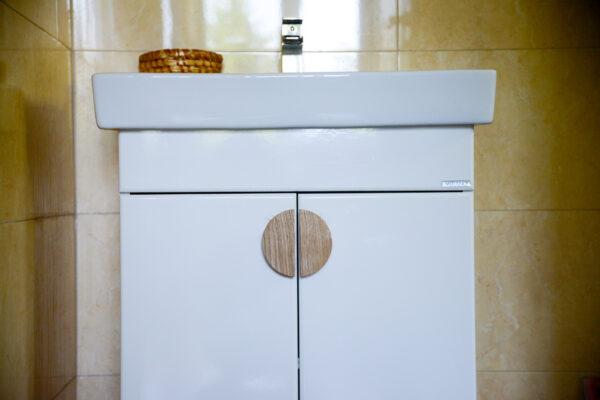 Uchwyty BASIC półokrągłe - w łazience