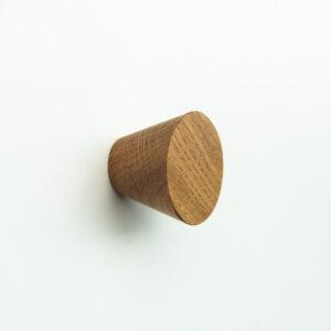 Gałki dębowe BASIC CONE 4 cm pasują również do nowoczesnych mebli - DOT Manufacture